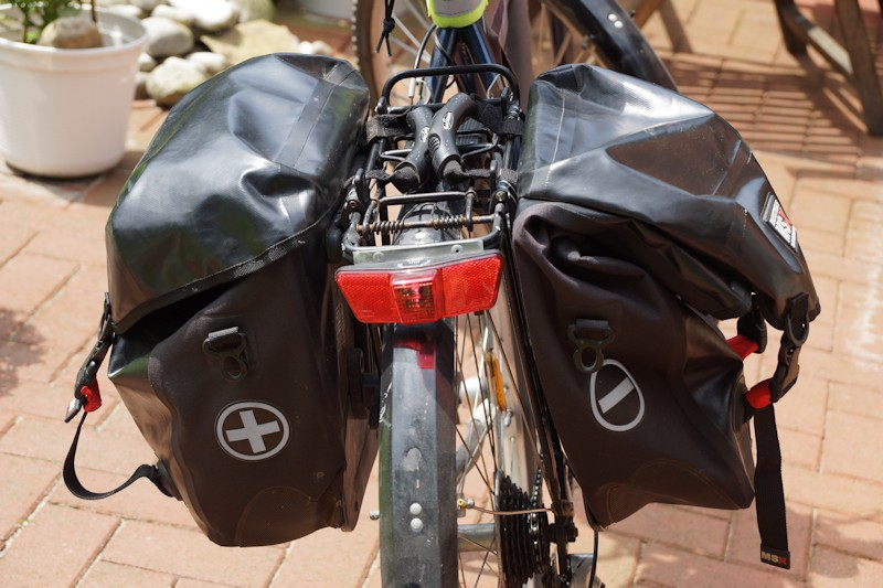 Fahrradtaschen test zwei Gepäckträgertaschen am Fahrrad